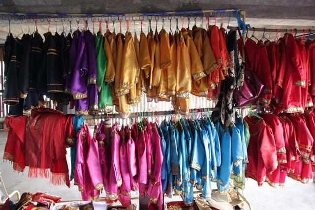 Pakaian adat Minangkabau untuk anak - anak
