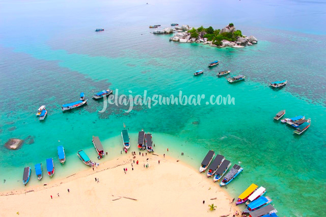 Paket Tour Belitung 3D2N Bersama JelajahSumbar