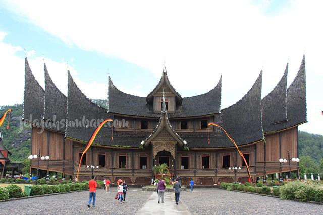 Paket Tour Padang Bukittinggi 3D2N